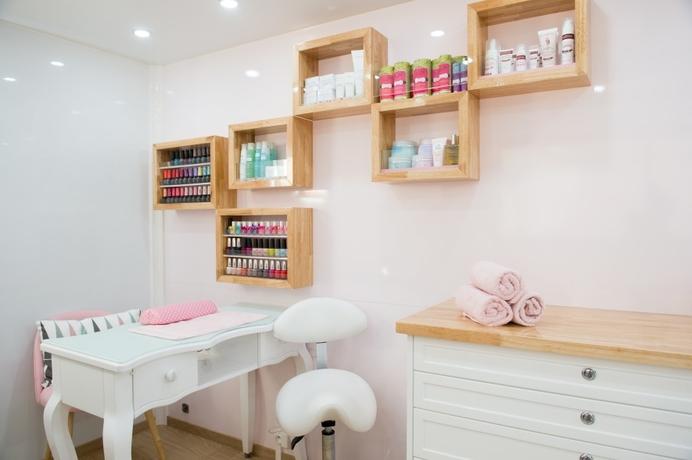 fabricant camion salon de coiffure coiffeur salon de beaut. Black Bedroom Furniture Sets. Home Design Ideas